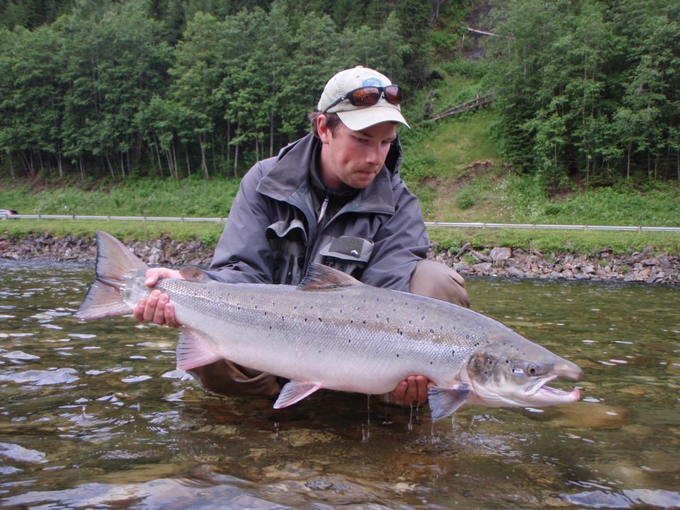 Pelle Tronde with a 10kg salmon.